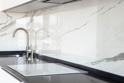 Your guide to choosing a splashback for your kitchen