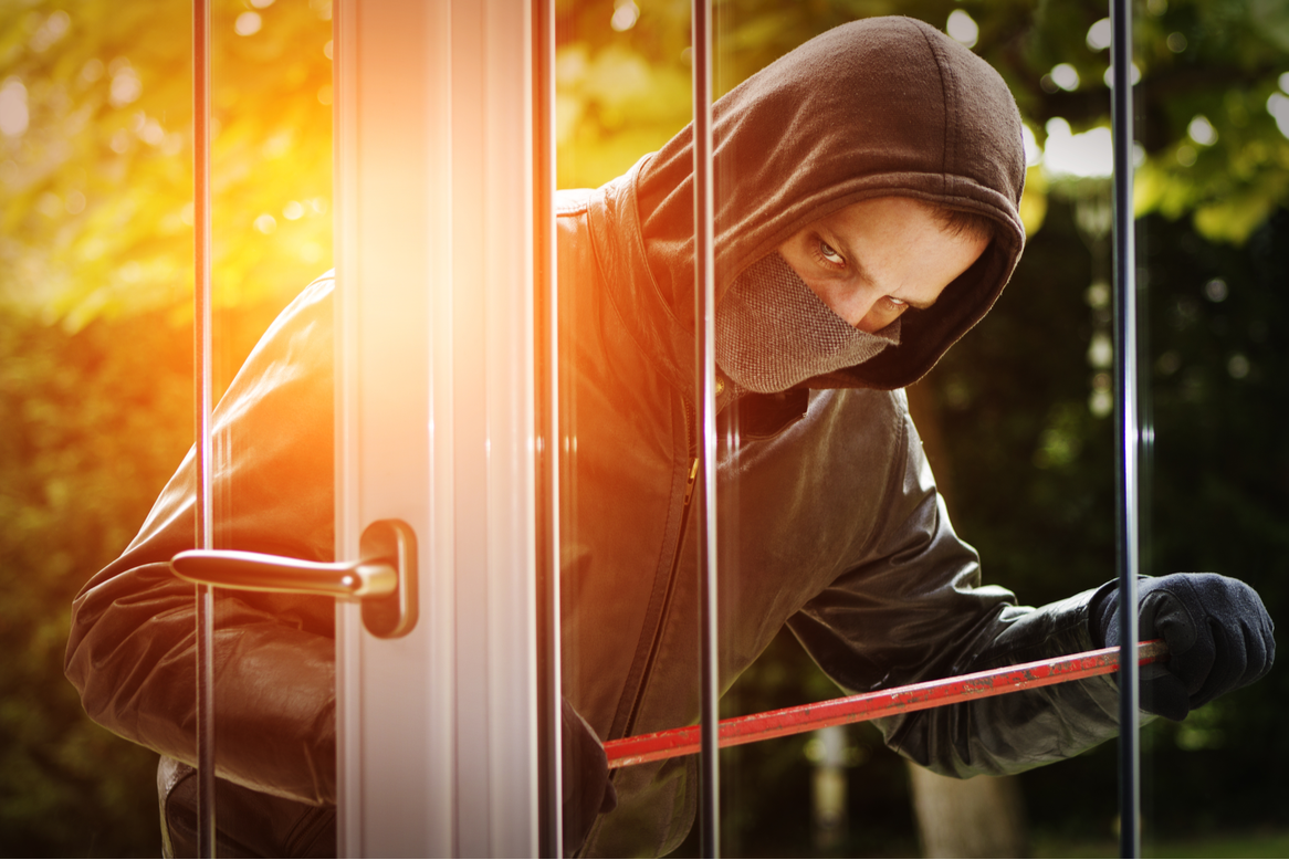 10 tips to keep your home safe while you are on a holiday